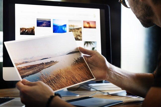 写真販売の副業は稼げる?始め方や収入、おすすめの販売サイトをご紹介します。