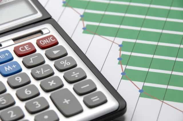 消費税は分割払いできる?分割納付の方法や条件、事前納付の制度について